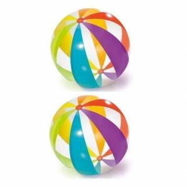 2x grote opblaasbare strandballen transparant met kleuren 107 cm