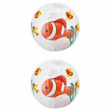 2x opblaasbare strandballen transparant met vissen 61 cm