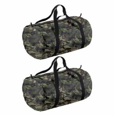 2x stuks camouflage groene ronde polyester sporttas/weekendtas 32 liter