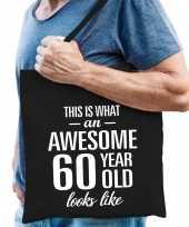 Awesome 60 year geweldig 60 jaar cadeau tas zwart voor heren
