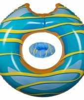 Blauwe opblaasbare donut zwemband en drankhouder