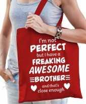 Freaking awesome brother broer cadeau tas rood voor dames
