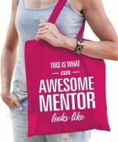 Katoenen cadeau tasje awesome mentor fuchsia roze