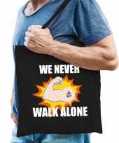 We never walk alone katoenen tas crisis zwart voor heren